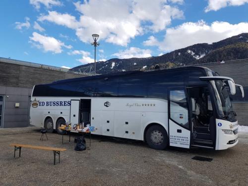 italien afterski vid bussen